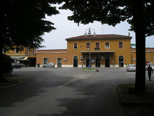 20enne travolto e ucciso dal treno alla stazione di Castel Bolognese